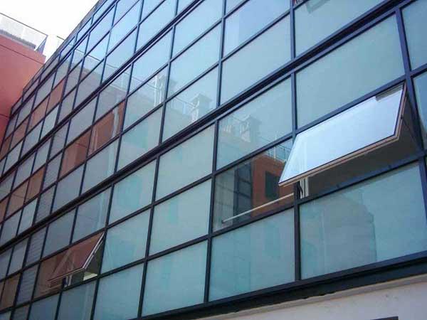 金星大厦玻璃幕墙开窗